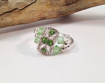 Peridot Crystal Stretch Ring, Cocktail Ring, August Birthstone Ring, Swarovski Crystal Ring,  Green Ring, Stretch Ring, Women's Jewelry