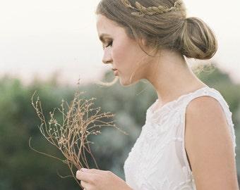 """Delicate feather motif wedding comb """"Morgan"""""""