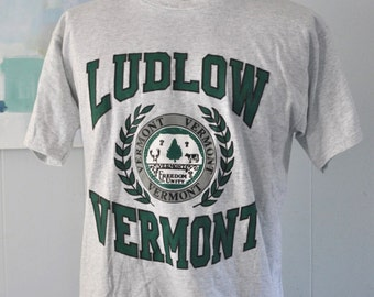 Ludlow Vermont TShirt Gray Tee Puffy Crest Seal New England Vt simple classic LARGE