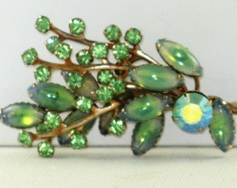 Vintage Mint Green Poured Glass and Rhinestone Floral Brooch Pin (B-3-6)