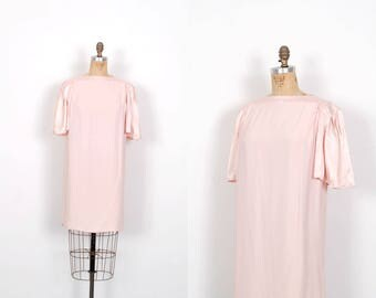 Vintage 1980s Dress / 80s Satin Mini Dress with Pleated Shoulders / Ballet Pink ( S M )