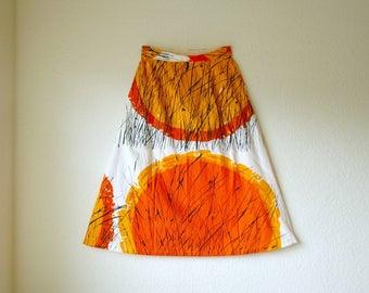 Size Small... Vintage 1950s Cotton A Line Midi Skirt... 50s Skirt... Amazing Painterly Print