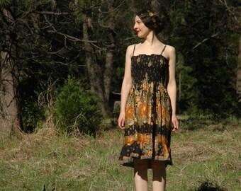 Size S/M... Vintage Boho Sundress... Gold Stamped Cotton Sun Dress