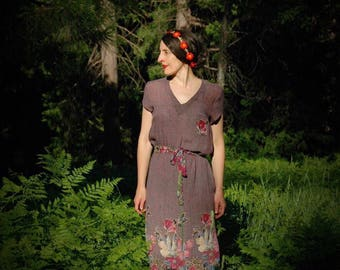 Size Small... Vintage 1980 Romatic Floral Boho Dress.... 80s French Canadian Bohemian Dress