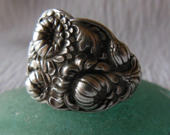 Antique Spoon Ring  Floral  Silver plate  Size 8.5