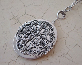 Large Silver Oval Locket Necklace Wedding Bride Bridesmaid Wife Mother Graduation Gift Birthday Friend Daughter Photo Pictures - Kelsey