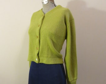 Sweater Cardigan green lime chartreuse cropped orlon acrylic 1950s L