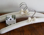 Padded Hangers, Ivory Linen Hangers, Bridesmaid Hangers, Clothing Hangers, Linen Hangers, Bridal Party Hangers, Linen Covered Hangers