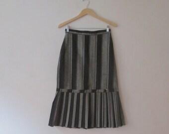 Vintage Sasson High-Waisted Striped Grey & Black Tweedy Drop Pleat Pencil Skirt, 28 In Waist