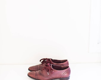 ETIENNE AIGNER red brown leather lace ankle oxfords - women's size 7.5