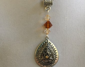 Silver Design Teardrop and Swarovski Crystal Necklace