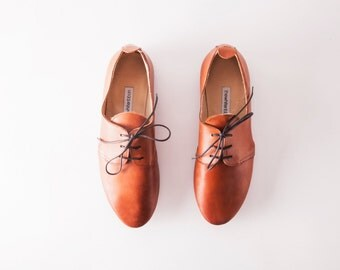 The Oxford Shoes | Tan Brown Ankle Shoes | Minimal Chic Style | Women's Leather Shoes in Cognac Brown