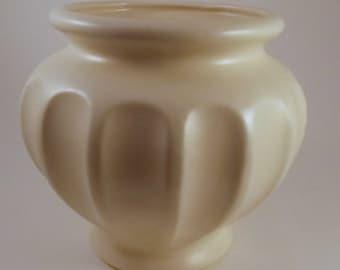 Vintage Pottery Planter, Haeger, Cream Pottery, Flower Pot, Large Planter, Cache Pot