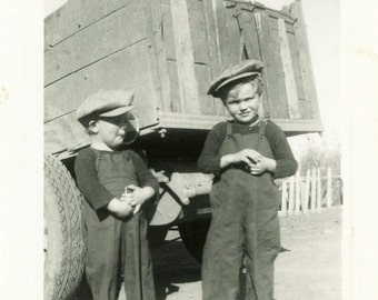 """Vintage Photo """"Two Little Troublemakers"""" Snapshot Antique Photo Old Black & White Photograph Found Paper Ephemera Vernacular - 137"""