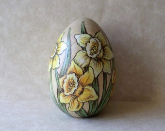 daffodil Easter egg, decorated egg, paperweight,  wood egg, flower egg, pyrography, wood burning art