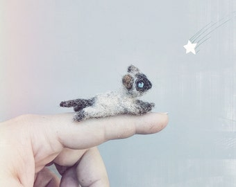 Dollhouse cat, little siamese kitty, miniature realistic cat, needle felted, fashion doll animal, tiny kitty, 1:6 scale