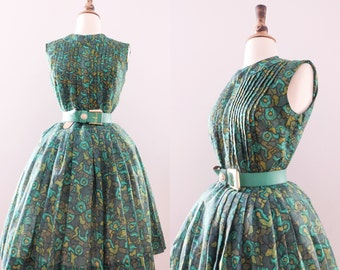 1950s Floral Green Pleated Sundress // Vintage 50s Handmade Cotton Housedress