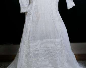 English Victorian Gown - 1800s 1900s Cotton Christening Gown // Broiderie Anglaise, Long Sleeve Infant Dress