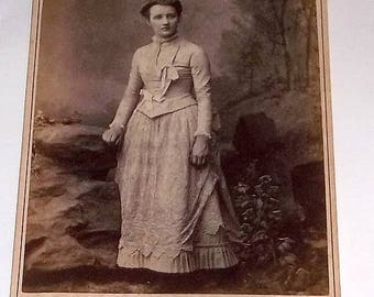 Cabinet Card, Lizzie Averholtzer, Lovely Young Lady, Lancaster Pa
