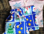 Christmas Gift Bags, Holiday Gift Giving Bags, Small Gift Bags, Lightweight and Reusable Drawstring Bags