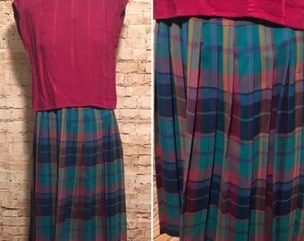 Vintage 1980 Pleated Plaid Skirt // 80s Wool Midi Skirt // size exta extra smal XXS