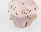 Fabulous Vintage 'Hommer' Yarn Ball Holder/Keeper -  Plastic - Satin Braid Handle - Hommer Mfg., Newark, NJ - 1930s Pink Swirl Plastic Case