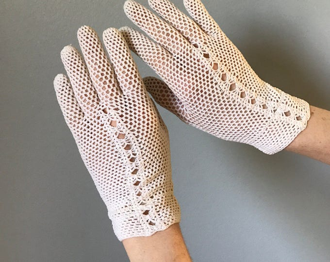 Vintage 50s Ivory Crochet Gloves