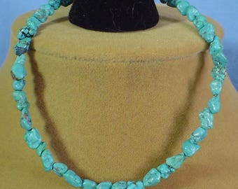 """8-1/2"""" Turquoise chips beacelet - B033"""