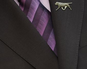 Labrador Retriever movement brooch - gold