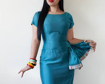 Perfect 1950s Hourglass Bombshell Teal Wiggle Dress w/ Waist Cinching Sashes with Silk Striped Detail XS 25 26