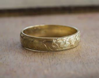 Mens Wedding Band Gold Unique Mens Wedding Band Mens Wedding Ring Engraved Wedding Band Hand Engraved Ring Milgrain Ring