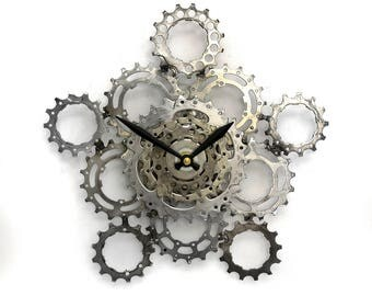 Bike Wall Clock, Bicycle Gear Clock, Bicycle Chain Wall Clock, Steampunk, Upcycled Bike Parts Clock