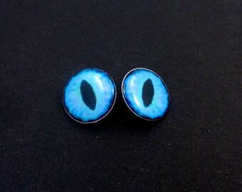 "Dragon Eye Buttons. Set of 2 Blue Dragon or Lizard Eye Sewing Buttons.  Handmade Buttons. Shank Buttons. 3/4"" or 20 mm."