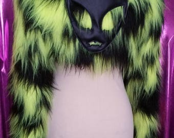 Shrug Fluffy Alien Queen synthetic Satin lining