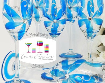 6 Bride and Bridesmaids Champagne Glasses Personalized Maid of Honor and Bride Flutes Bridesmaid Flutes Bridal Daisy