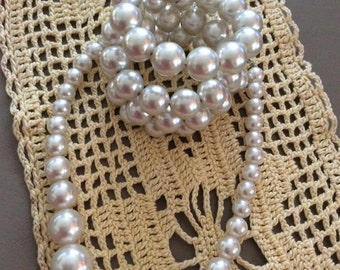 Vintage 1960s Bracelet Necklace 2 Piece Set Faux White Pearls Beads
