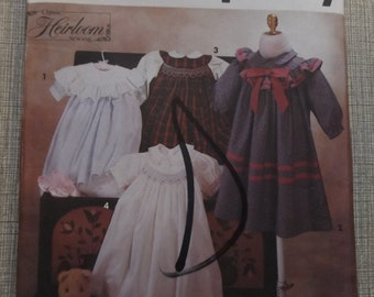 Oliver Goodin Design Child's Dress with Smocking Variations Size 2-4 All 17 Pieces and Transfer Vintage 90s Simplicity Sewing Pattern 7644
