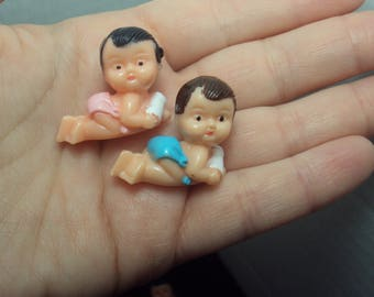 Miniature Blue Plastic Babies Baby Shower Game Pieces Decorations Favors Brown Hair
