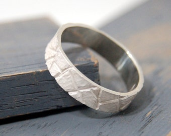 Womens Promise Ring, Promise ring for her, Bark texture rings, Bark ring, White ring, Tree Bark Ring, Hammered rings, Oxidized white ring