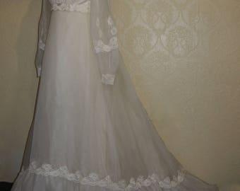 Bridal Originals 60's ORGANZA EMPIRE WAIST Wedding Gown sz 6-8 Puff Sleeves steampunk wedding gown pagan wedding gown victorian wedding gown