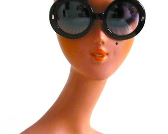 Retro 1960s Oversized Jackie O Style Tinted Sunglasses