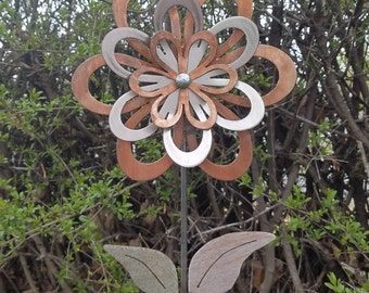 Small 3 Layer Flower Yard Stake