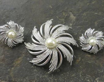 Sarah Coventry Sunburst Brooch and Earrings, Atomic Starburst, Ladies Jewelry