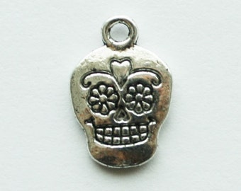 Silver Skull Charms, Day of the Dead Charms, Halloween Charms, 2 Sided Sugar Skull Charms, Skull Pendants, 10pcs - 16x11mm - #643
