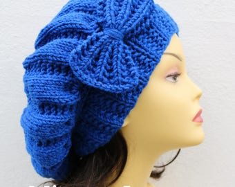 Royal Blue Woman Hand Knitted Hat with Bow, royal blue Beret hat with bow, blue knit hat, slouchy knit women's hat with bow, blue winter hat