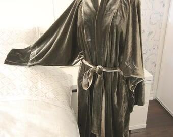 Fancy Chic Lounge Housecoat in Deep Olive Silk Velour Kimono-style Robe, Women's Luxurious Bathrobe, Cozy Housecoat