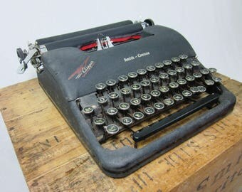 "Black 1940s Smith-Corona ""Clipper"" Typewriter"
