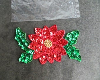 Sewing Sequin Applique, Large Poinsettias and Holly,   Crafts and Tools New Old Stock