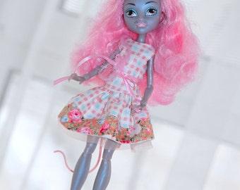 Doll dress for Monster High Dolls.