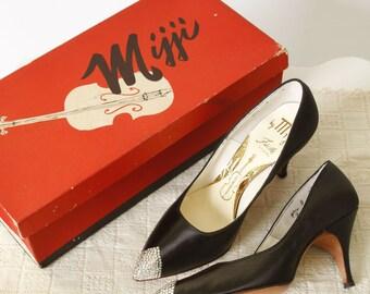 vintage 1960s black pumps <> 1960s Mijji fiddle heels in original box <> 60s black satin pointy toe pumps with rhinestone tips <> size 4 1/2